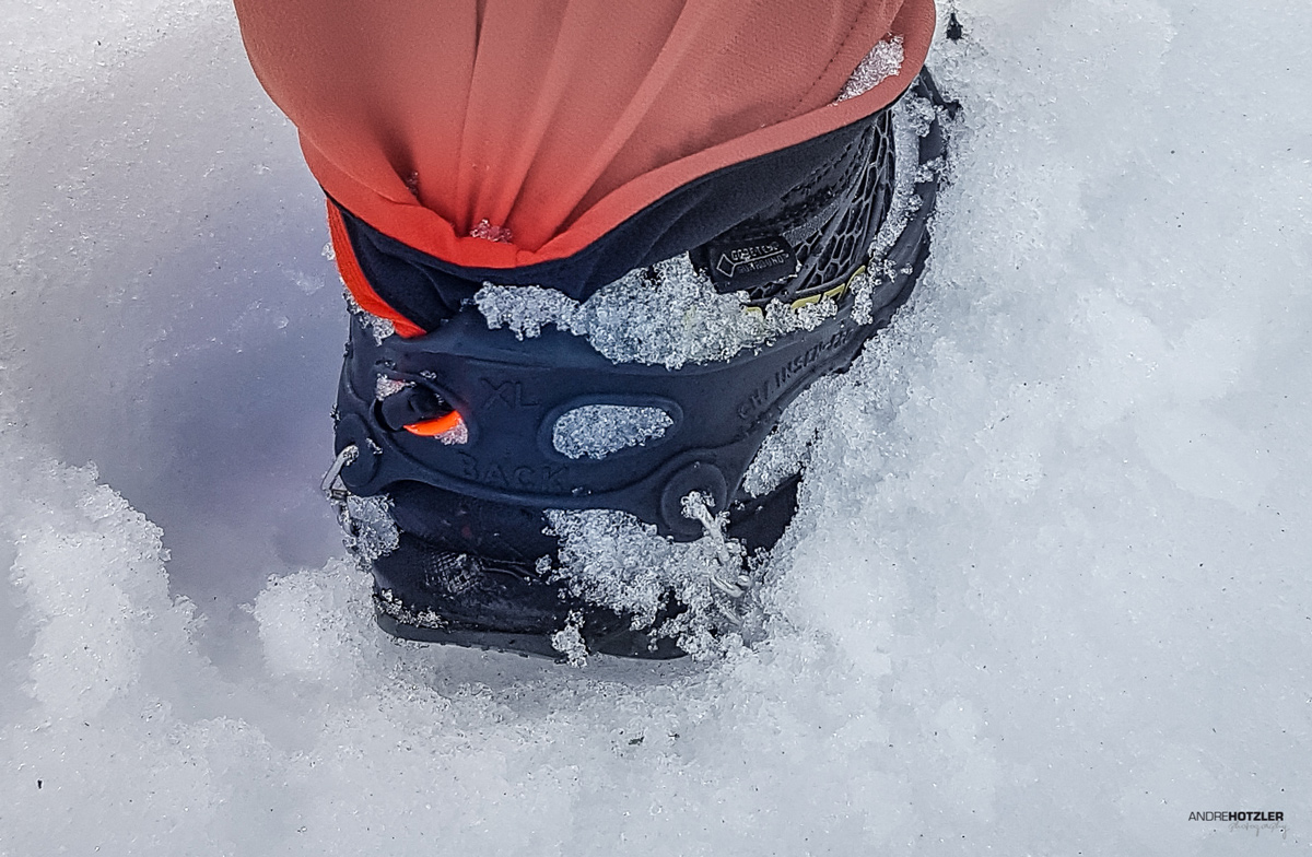 Ortovox trousers jammed in the Grödeln (better buy something else) to prevent slipping up in the snow